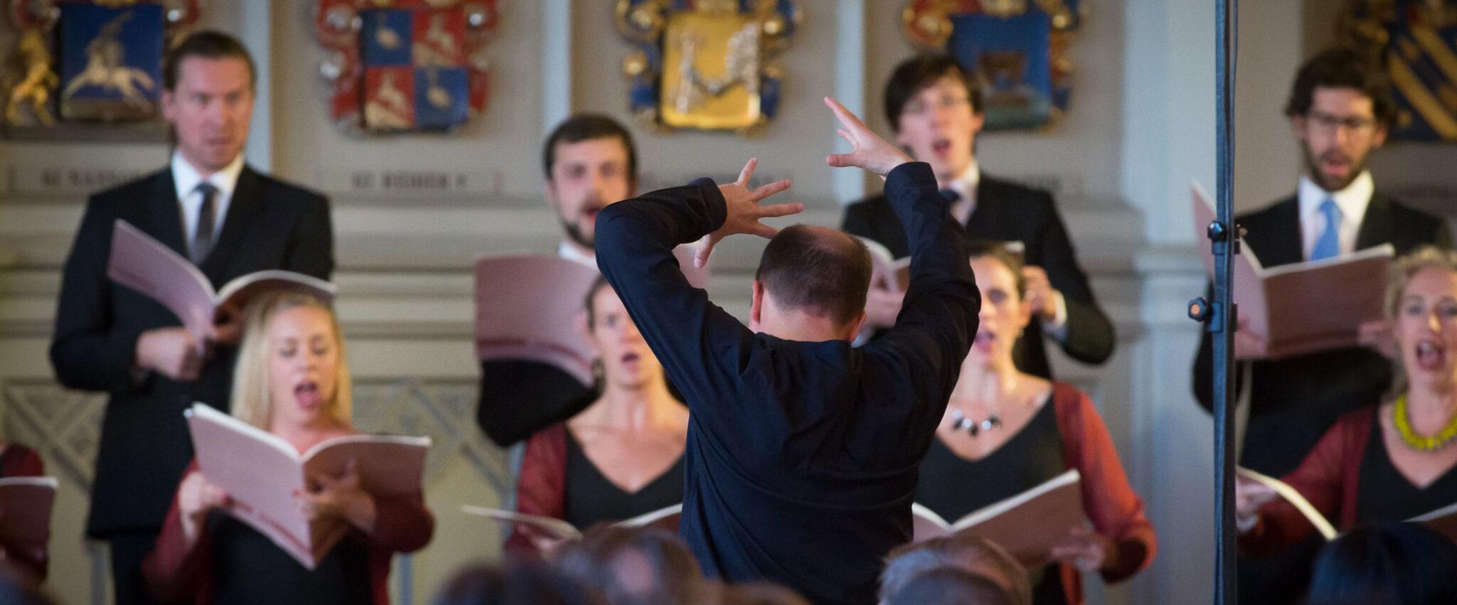 Eric Ericsons Kammarkör med dirigent Florian Benfer